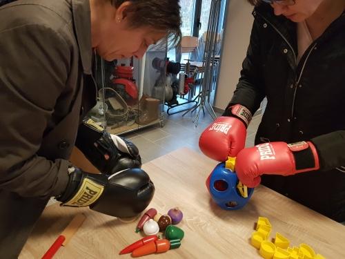 Spoznavanje težav z motoriko preko boksarskih rokavic