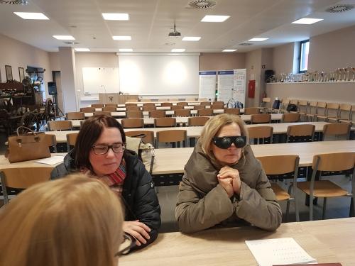 Spoznavanje okvare vida s simulacijskimi očali
