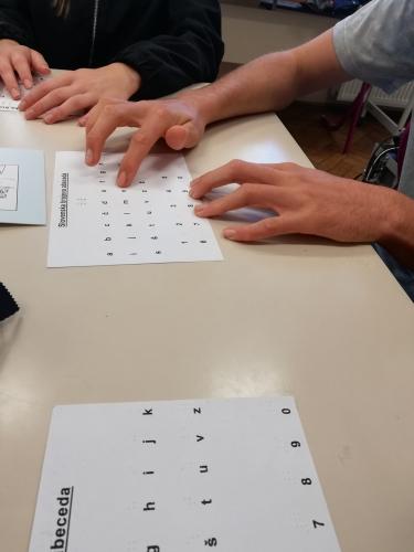 Spoznavanje brajeve abecede